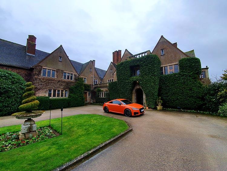 Audi TT London Ritz Hotel Pulse Orange Gracie Opulanza (1)