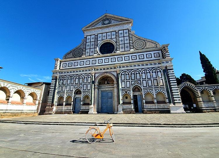 Take the bike around Florence.