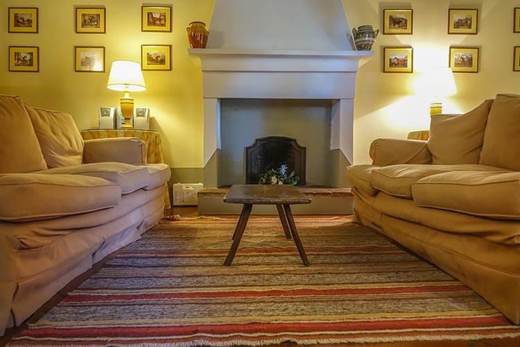 lounge room Fattoria Mansi Bernardini - Villa Casa Maria Reviewed Rooms 2020 (17)
