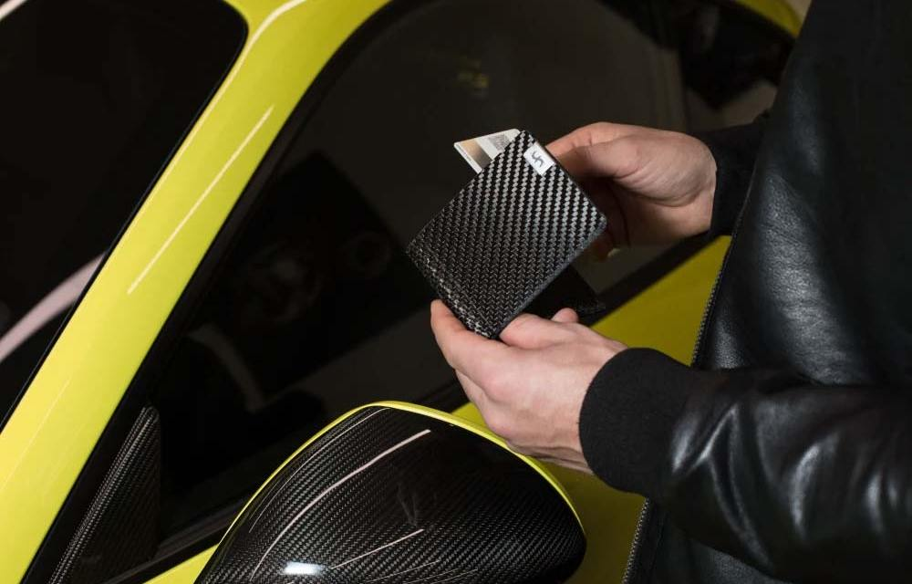 Carbon Fiber Bifold Wallets for the Car Enthusiasts