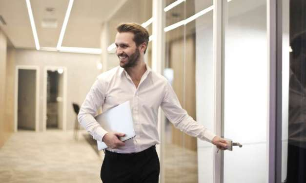 How to Build a Great Office Wardrobe – A Guide for the Workplace Newbie