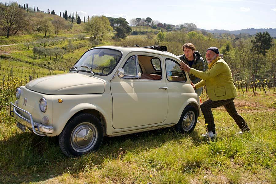 Fiat 500 Classic car Gracie Opulanza Tuscany MenStyleFashion italy beige