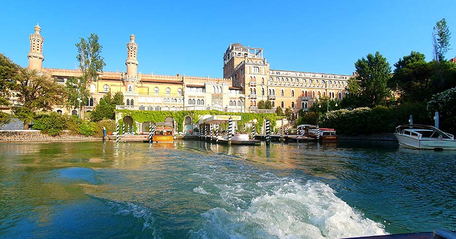 The Dock Hotel Excelsior Venice Lido 2021 review Italy (3)