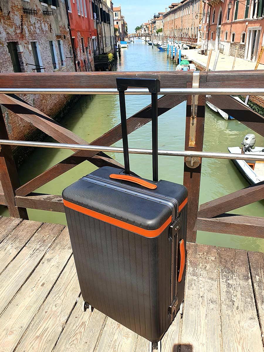 Venice carldrick check in luggage