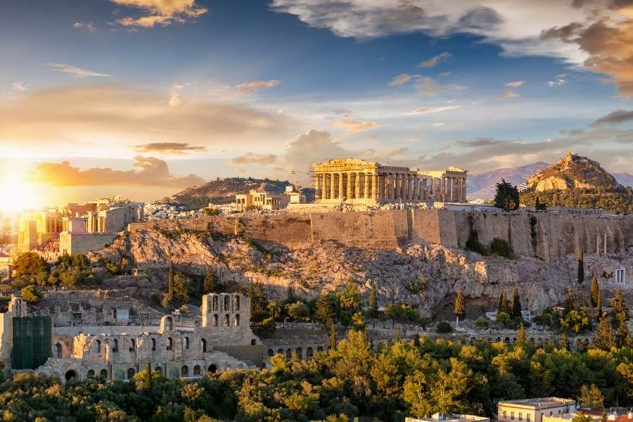 Does Greece Offer Online Entertainment Websites?