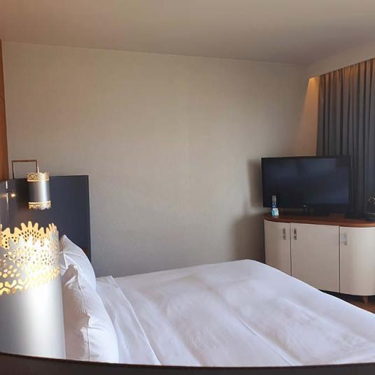 Hilton Rotterdam - City Shopping Review Holland (11)