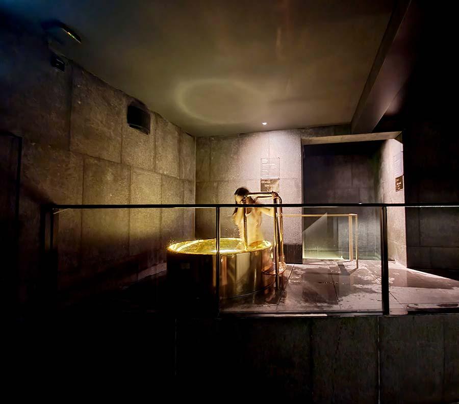AWAY Spa WBank plunge gold pool