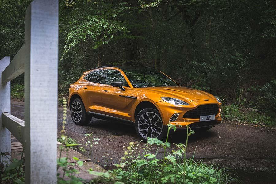 Revisión de Aston Martin DBX: esto no es tiempo de morir James Bond SUV 2021 Revisión Hombres Estilo Moda (11)