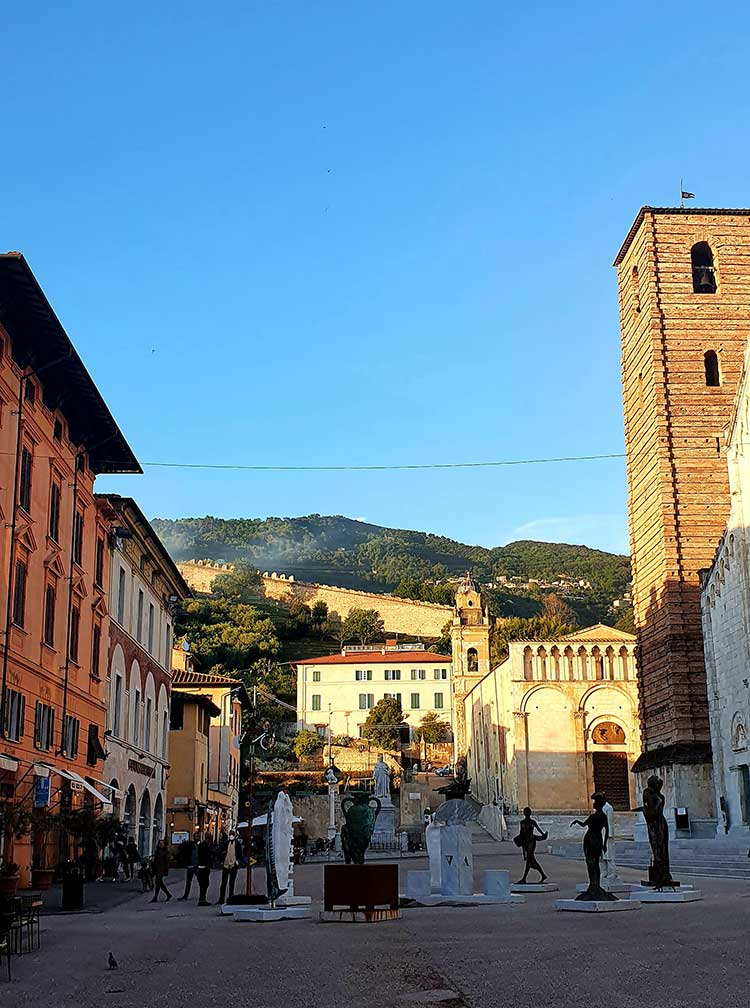 Pietrasanta-Tuscany-Il-Duomo-Luxury-Suite-Reviewed-MenStyleFashion-2021-7 (1)