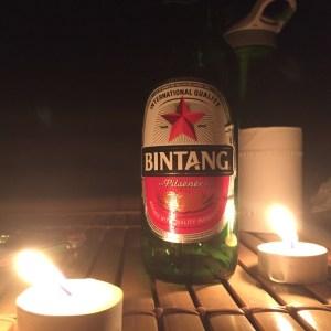 Bintag ist wie Tempo. Wer Bier will, meint Bintang. Der Traum eines jeden Marketinexperten, wie der Reiseführer es so schön beschreibt.