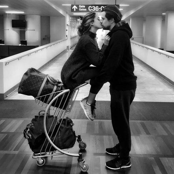 foto pareja aeropuerto-mentalidadviajera