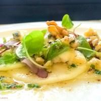 Carpaccio de pere cu gorgonzola si nuci