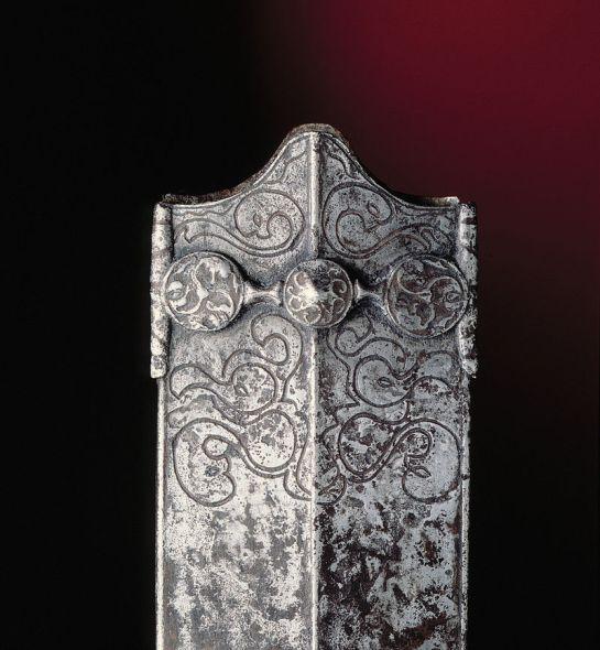 Laténium fourreau épée celtique