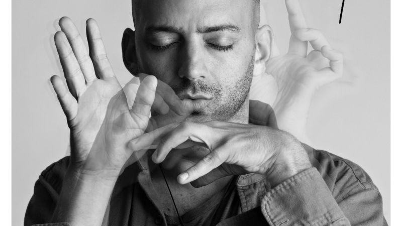"ESCLUSIVA – Idan Raichel: ""A Milano condividerò i suoni di ""And If you'll come to me"" e ""Piano Songs"""
