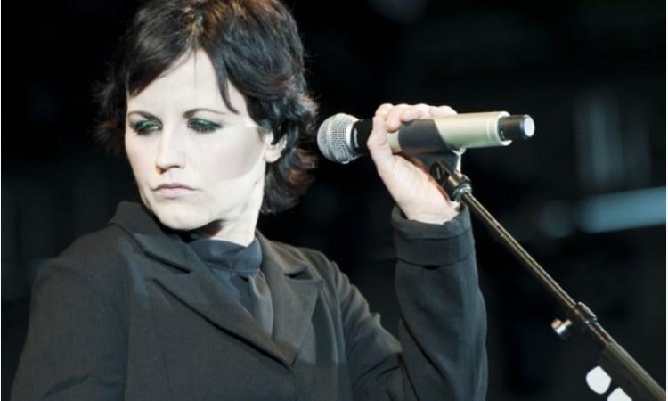 La voce di Dolores O'Riordan, il grido di dolore dell'Irlanda