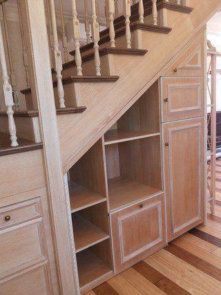 aménagement intérieur sous escalier