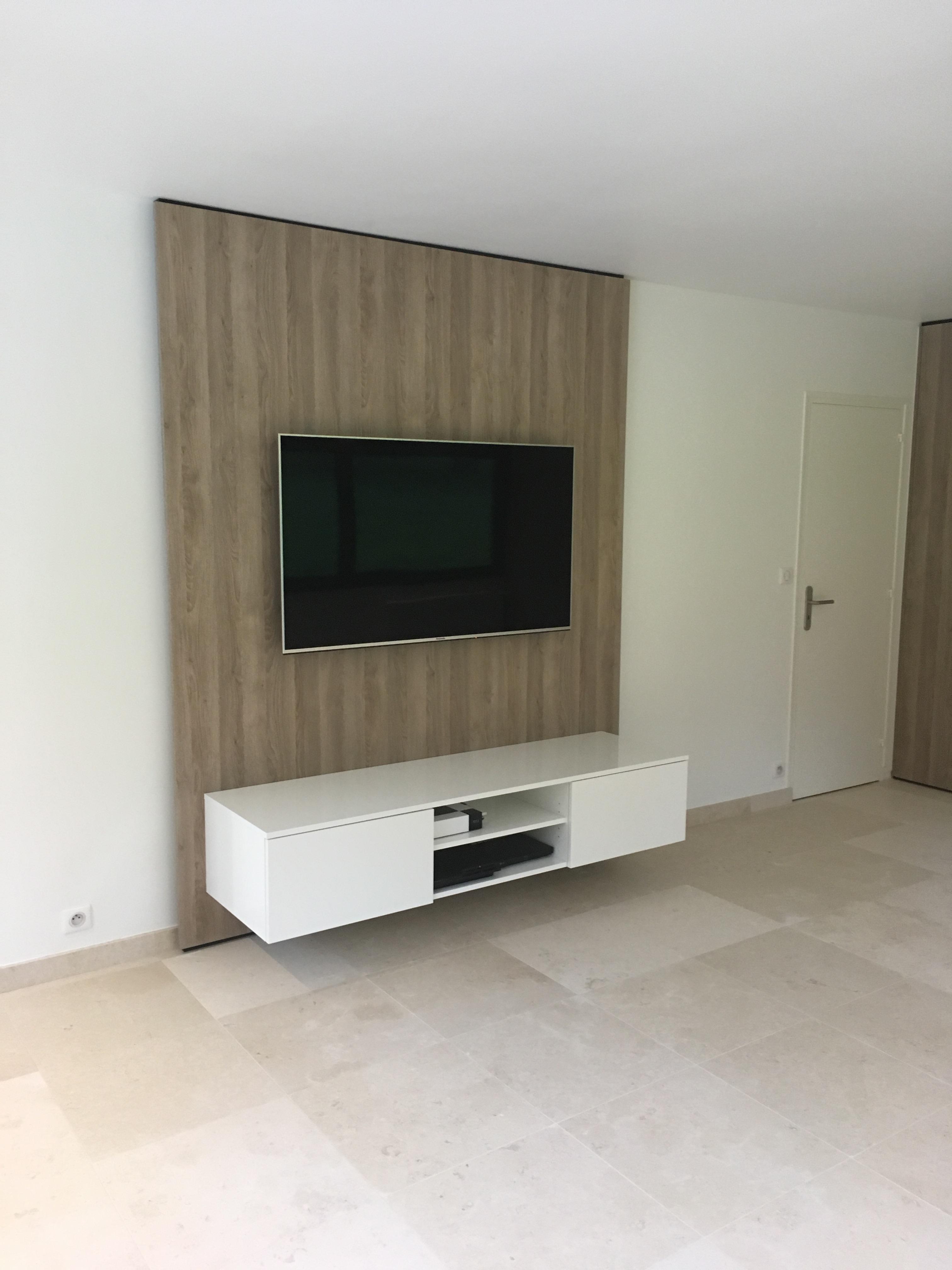 Television Suspendue Mur Maison Design