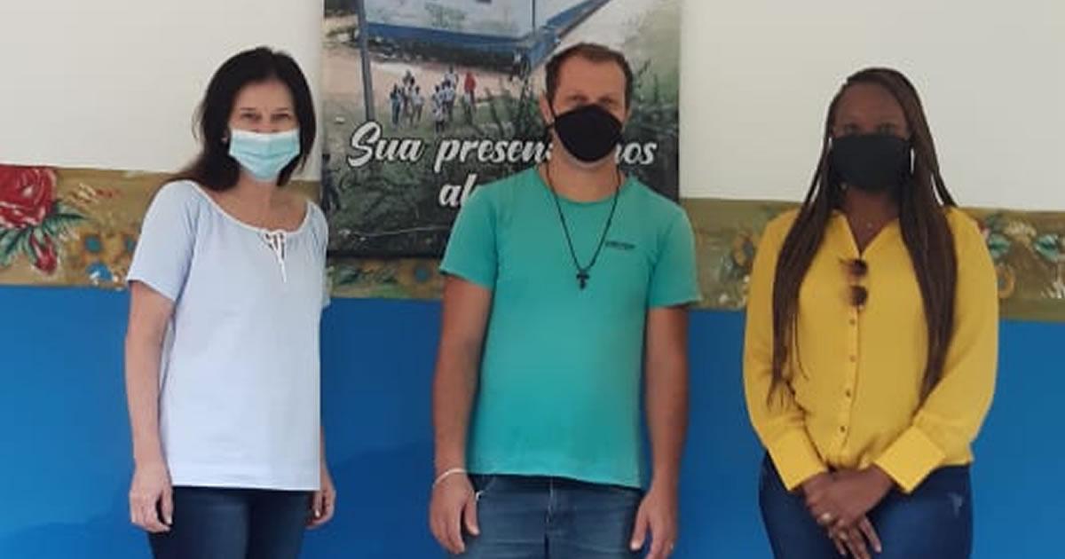 Secretaria da Educação visita Escola Família Agrícola em Mimoso do Sul