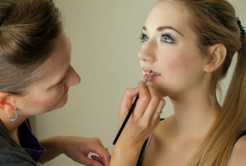 Los 10 Errores más habituales al Maquillarse