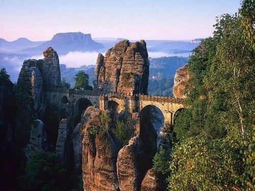 Maravilloso contraste para visitar en el Puente de Bastei