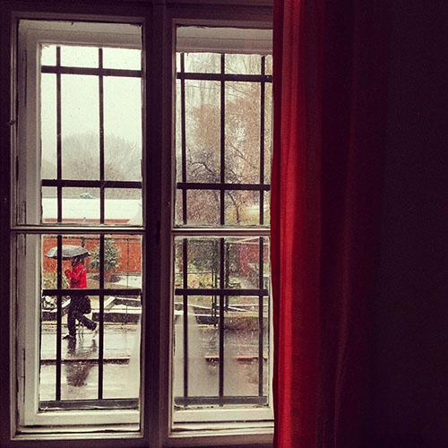 Pencereden Kar Yağışı