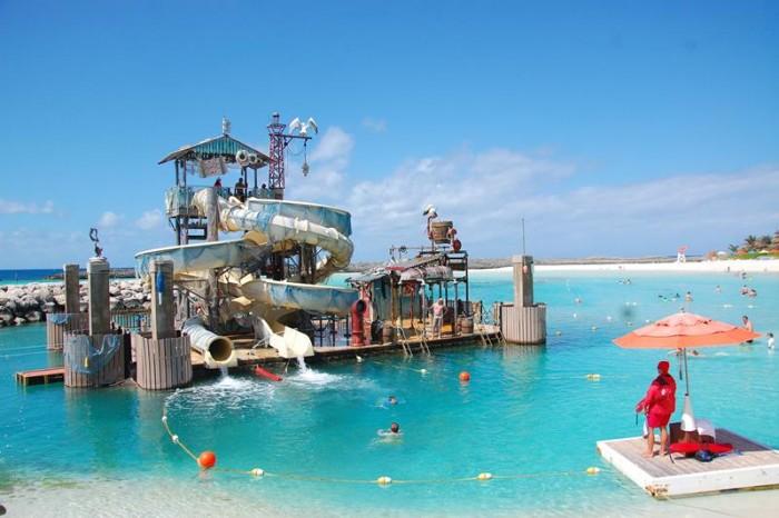 Toboágua Pelicano é principal atração para crianças e adultos