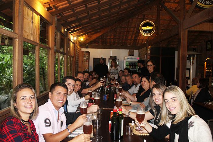Tour incluiu almoço com harmonização da cerveja Dual, no restaurante Trilhas do Araçari, em Muri