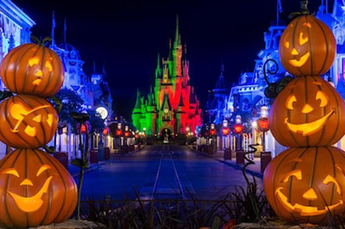 Festas do Dia das Bruxas da Disney acontece entre agosto e novembro. Foto: Site oficial Disney