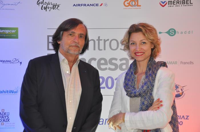 Jean-Philippe Pérol, com Caroline Putnoki, que assume o Atout France no Brasil