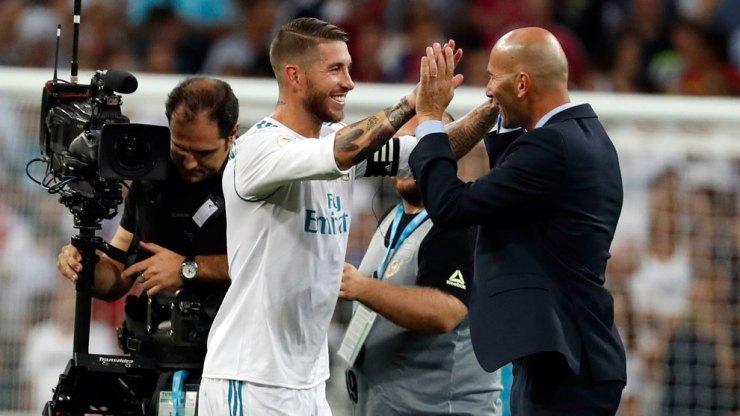 Ramos y Zidane celebrando la obtención de un nuevo campeonato.
