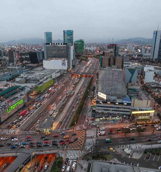 Economía peruana se desacelera ante crisis política