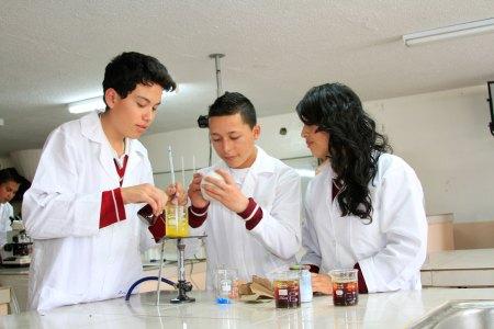 estudiantes quimica