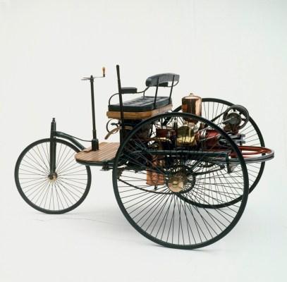Von der einfachen Lenkstange zur kapazitiven Kommandozentrale – Eine Zeitreise der Lenkräder Foto: Der Benz Patent-Motorwagen von 1886 ohne ein Lenkrad