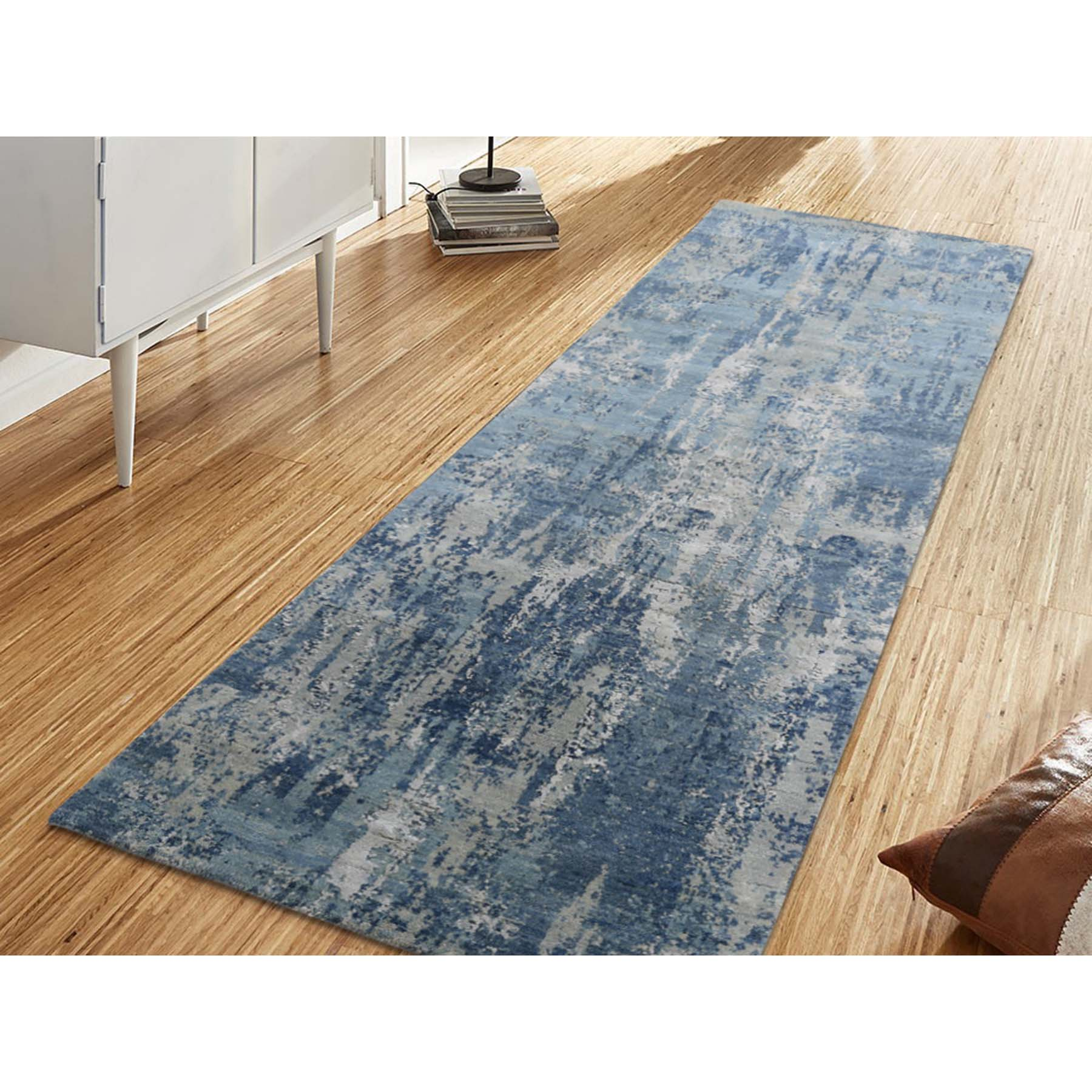 2 6 X8 3 Blue Gray Abstract Design Wool And Pure Silk Hand Woven Oriental Runner