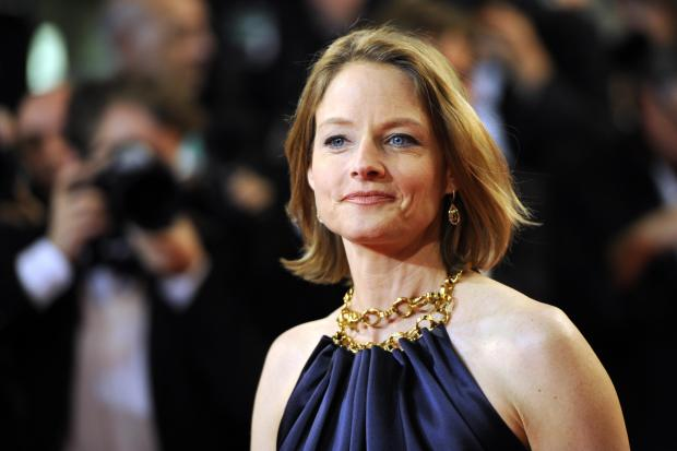"Jodie Foster will direct Kevin Spacey and Robin Wright in season 2 of ""House of Cards."""