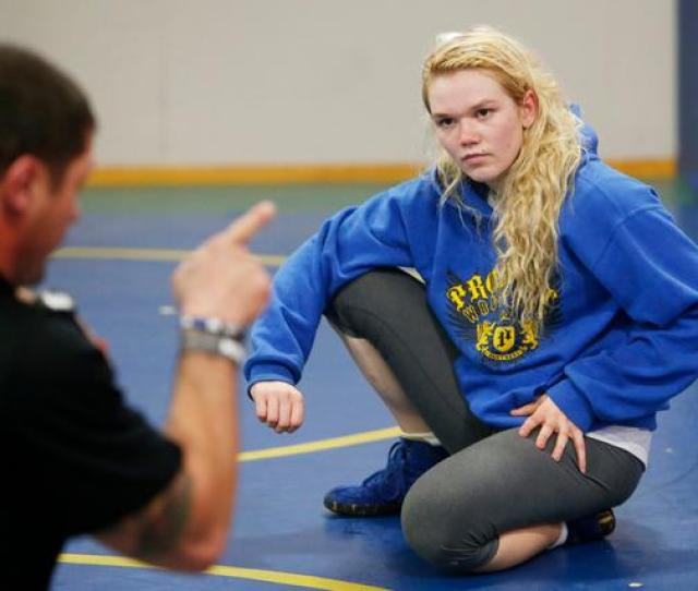 Teen Life Girl Triumphs In The Tough Sport Of Wrestling The Mercury News
