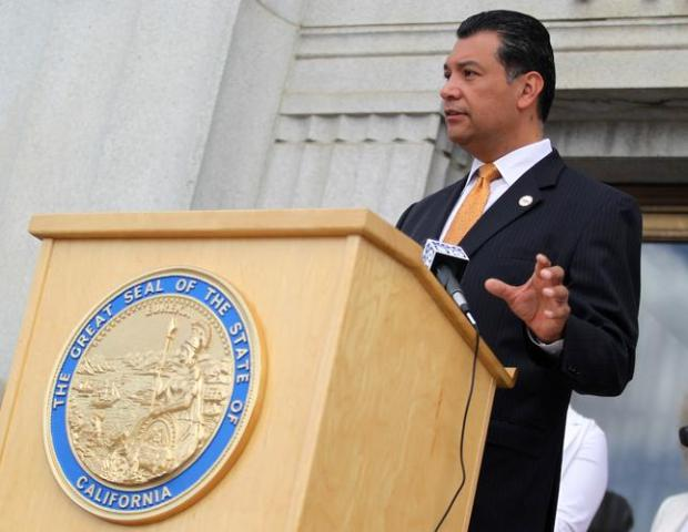 California Secretary of State Alex Padilla speaks during a news conference at the Rene C. Davidson Courthouse in Oakland, Calif., on Tuesday, Aug. 4, 2015. Padilla announced on Tuesday that he's dropping the appeal of Scott v. Bowen, clearing the way for 45,000 Californians who have been convicted of low-level felonies to get the right to vote. (Anda Chu/Bay Area News Group)