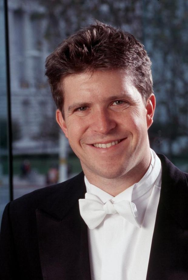 Berkeley Symphony called upon  conductor Edwin Outwater for its season opening concert Thursday night in Zellerbach Hall.
