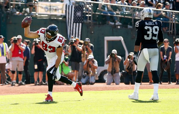 Atlanta Falcons tight end Jacob Tamme (83) celebrates his thrid quarter touchdown during thier 35-28 win over the Oakland Raiders on Sunday, Sept. 18, 2016, in Oakland, Calif. (Aric Crabb/Bay Area News Group)