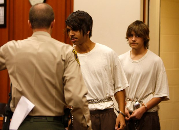 Jae Williams, left, and Randy Thompson enter the courtroom where they were charged with murder (but not arraigned) in Judge Jerome Nadler's courtroom at the Santa Clara County Hall of Justice in San Jose, Calif. on Tuesday, November 17, 2009.  Thompson and Williams are accused of the stabbing death of Michael Russell.  (Nhat V. Meyer/Mercury News)