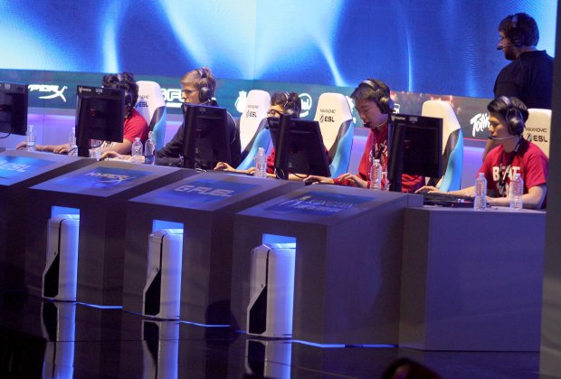 Stanford plays an exhibition League of Legends match against Cal at the Intel Extreme Masters esports tournament at Oracle Arena in Oakland, Calif., on Saturday, Nov. 19, 2016. (Anda Chu/Bay Area News Group)