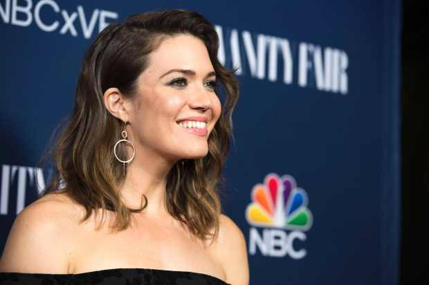 Actress Mandy Moore attends the NBC and Vanity Fair Toast the 2016-2017 TV Season, in Hollywood, California, on November 2, 2016. / AFP PHOTO / VALERIE MACONVALERIE MACON/AFP/Getty Images
