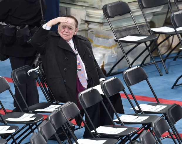 Sheldon Adelson is seated prior to the inauguartion of President-elect Donald Trump at the US Capitol January 20, 2017 in Washington, DC. / AFP PHOTO / Paul J. RichardsPAUL J. RICHARDS/AFP/Getty Images