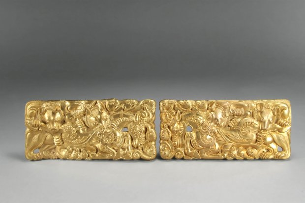 Set of belt buckles, unearthed from a Han dynasty tomb, Tianqi Mountain,Xuzhou, Jiangsu. Western Han period (206 B.C.–A.D. 9). (Photograph © Xuzhou Museum)