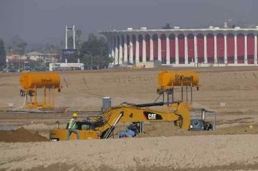 Construction continues on the Inglewood football stadium. (Brad Graverson/Staff Photographer)