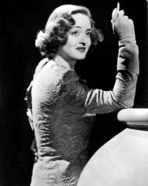 olivia de havilland dismisses bette davis joan crawford gossip in 39 feud 39. Black Bedroom Furniture Sets. Home Design Ideas