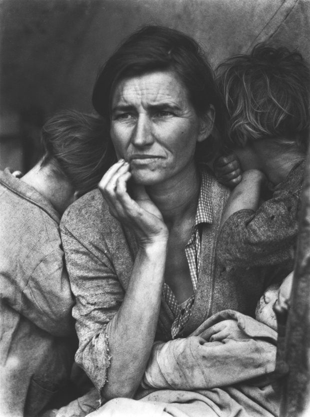 "Dorothea Lange, ""Migrant Mother, Nipomo"" (1936). (© The Dorothea LangeCollection, the Oakland Museum of California, City of Oakland)"
