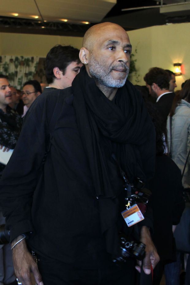 (FILES) This file photo taken on May 16, 2010 in Cannes shows US photographer Stanley Greene during the 63rd Cannes Film Festival.  US photographer Stanley Greene, five times awarded by World Press Photo, died in Paris, AFP reported on May 19, 2017.  / AFP PHOTO / VALERY HACHEVALERY HACHE/AFP/Getty Images