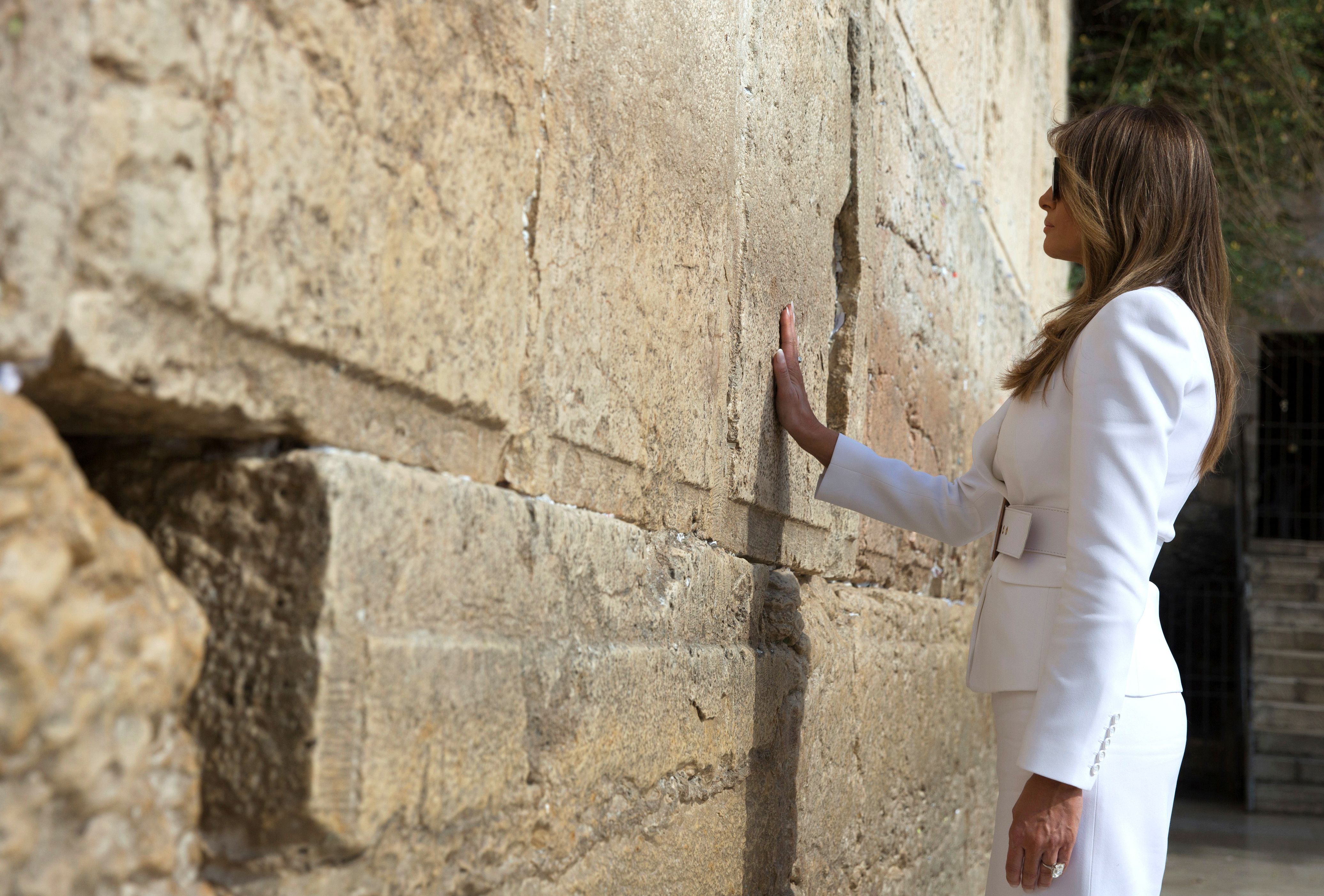 Melania Trump slaps away Donald's hand after arriving in Israel