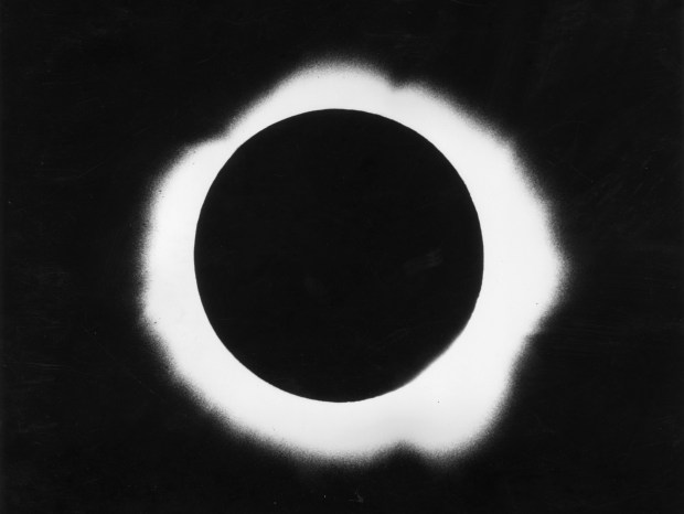 7th March 1970: A total eclipse of the sun observed by the Harvard College Observatory, America. (Photo by Fox Photos/Getty Images)